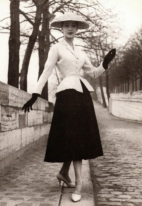 Women's Fashions In The 1940s