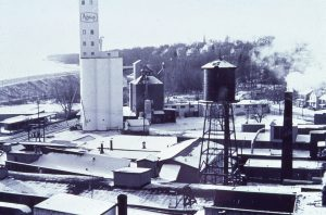 photo of grain elevator